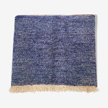 Tapis berbère marocain Beni Ouarain écru et bleu moucheté 160x150cm