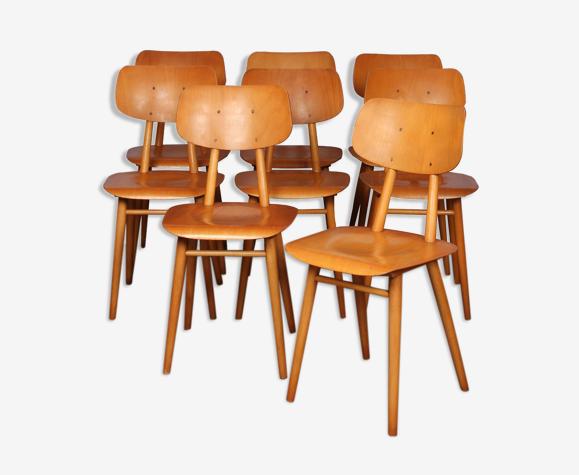 Suite de 8 chaises en bois produites par Ton 1960
