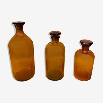 Trio de flacons apothicaire ancien de belle couleur ambrée.