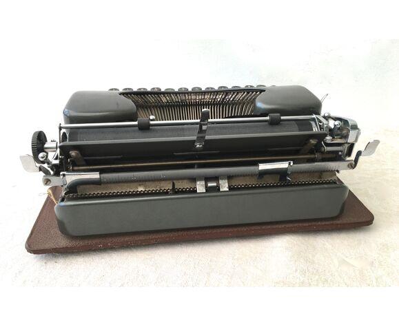 Machine à écrire Select Ferdinand Theule années 40