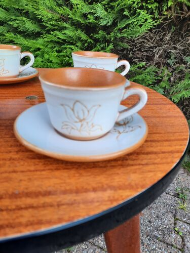 4 tasses à café en céramique