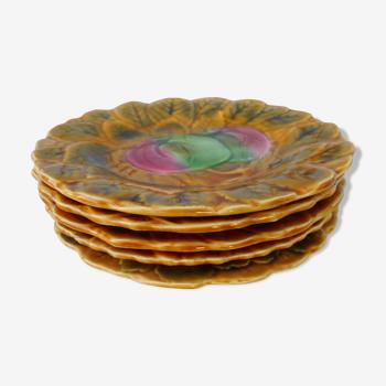 Cinq assiettes dessert en barbotine