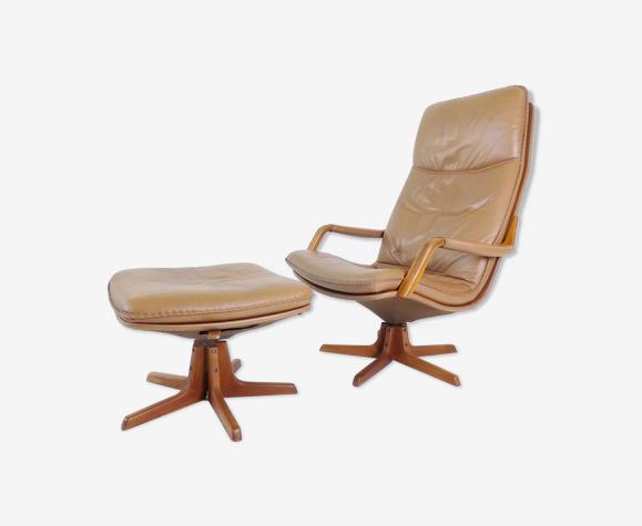 Fauteuil & ottoman en cuir Berg Furnitures