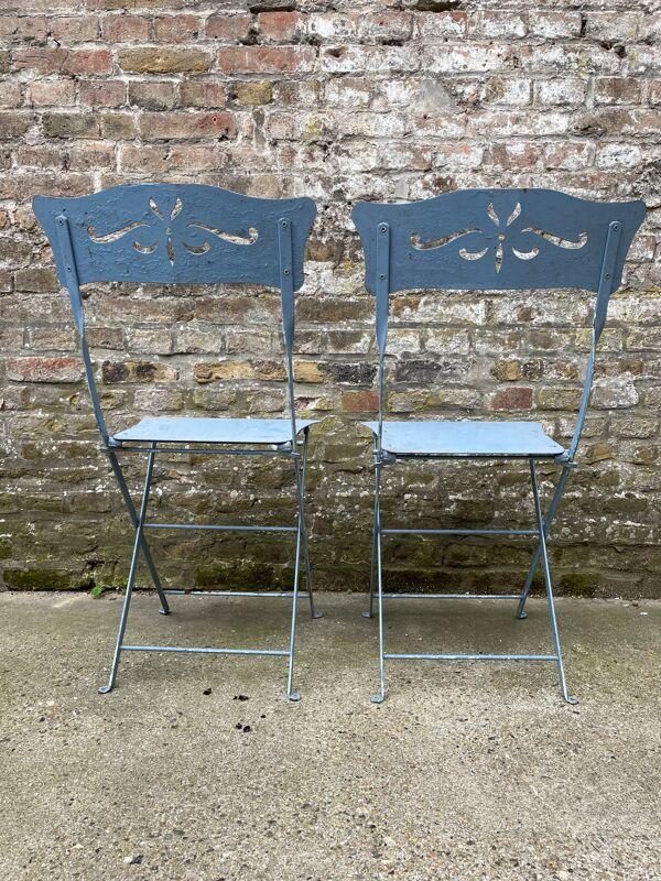 Lot de deux chaises de jardin anciennes