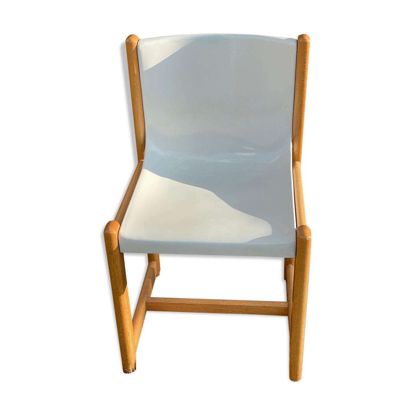 Chaise Gautier en plastique thermomoulé blanche et bois