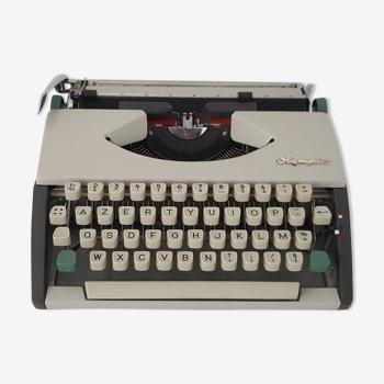 Vintage Olympia Deluxe typewriter
