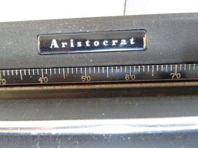 Machine à écrire Royal Aristocrat