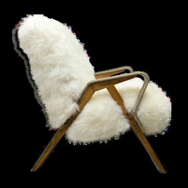 Selency Fauteuil en peau de mouton blanc par Tatra Nabytok