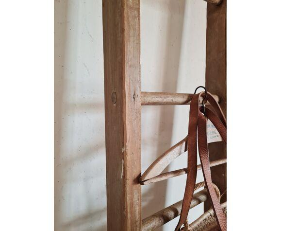 Echelle ancienne en bois