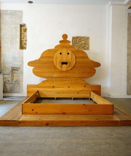 Cadre de lit de Mario Ceroli « Bocca della verità »