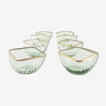 Suite de 8 coupelles en cristal de Daum, vertes peignées d'or