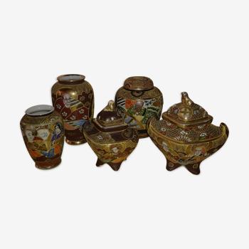 Lot de cinq miniatures en céramique japonaise