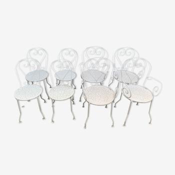 Lot de chaises et fauteuils de jardin anciens en fer forgé