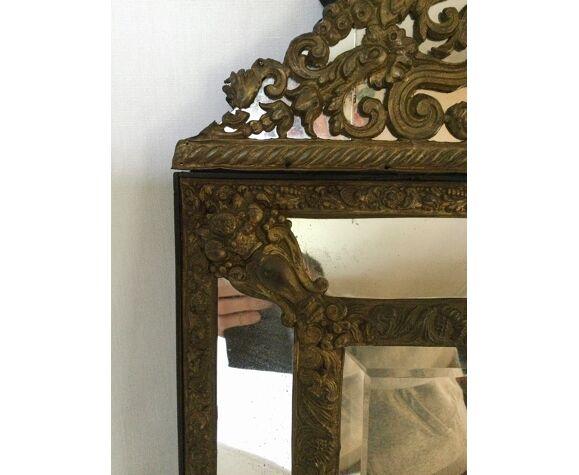Miroir à parclose en laiton repoussé XIXème - 65x39cm