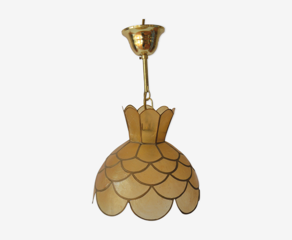 Mother-of-pearl and brass suspension