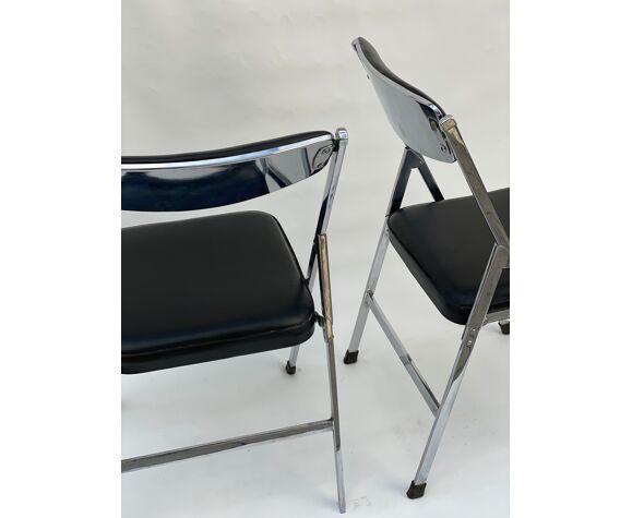 Paire de chaises pliantes en chrome et cuir italiens