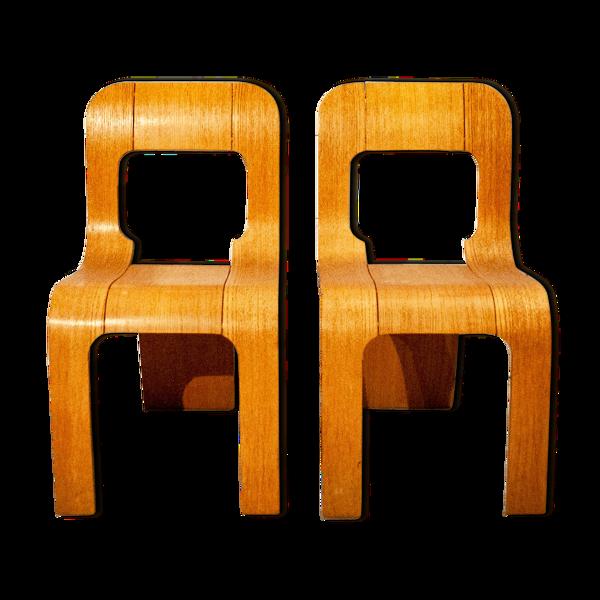 Paire de chaises à trois pattes empilables par Gigi Sabadin pour Wood Gunners Italie années 1960