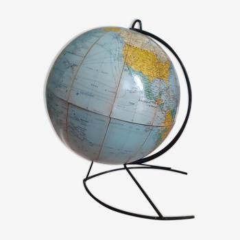 Globe terrestre ancien.