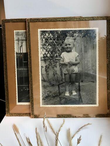 Lot de deux photos anciennes sous verre