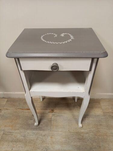 Table de nuit patinée blanc et gris
