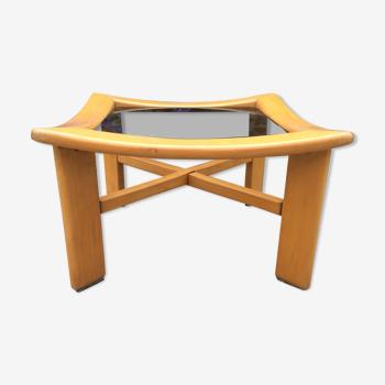 Table basse design scandinave vintage en hêtre massif.