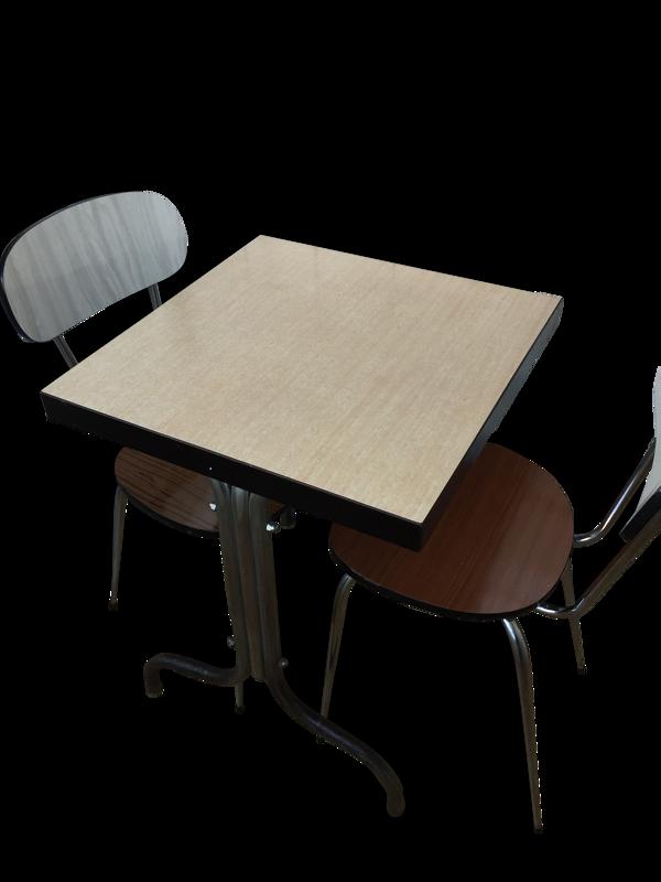 Table en formica rose pâle