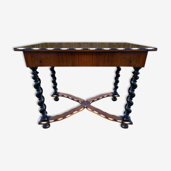Table de style Louis XIII époque XIX ème siècle
