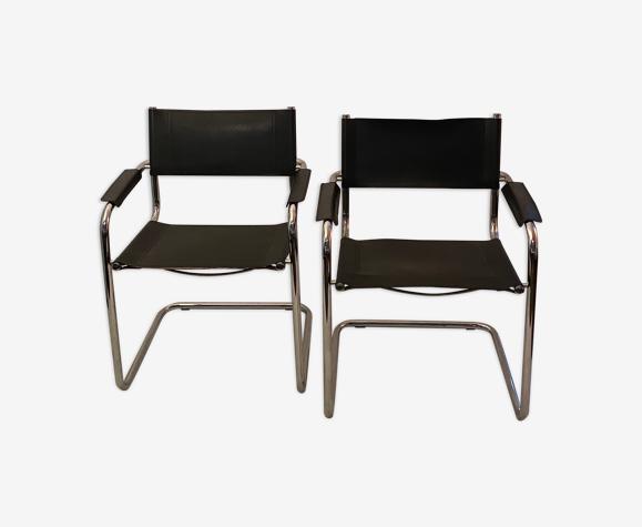 Paire de chaises en chrome et en cuir