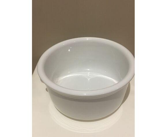 Plat en céramique blanche