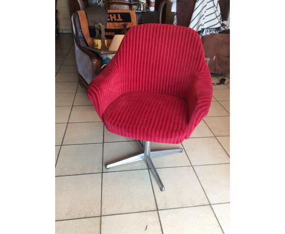 Fauteuil design rouge en velours