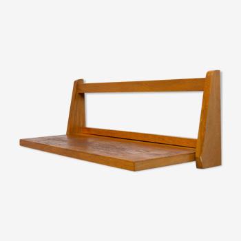 Étagère en bois du milieu du siècle fabriquée par la société ULUV dans l'ancienne Tchécoslovaquie dans les années 1960