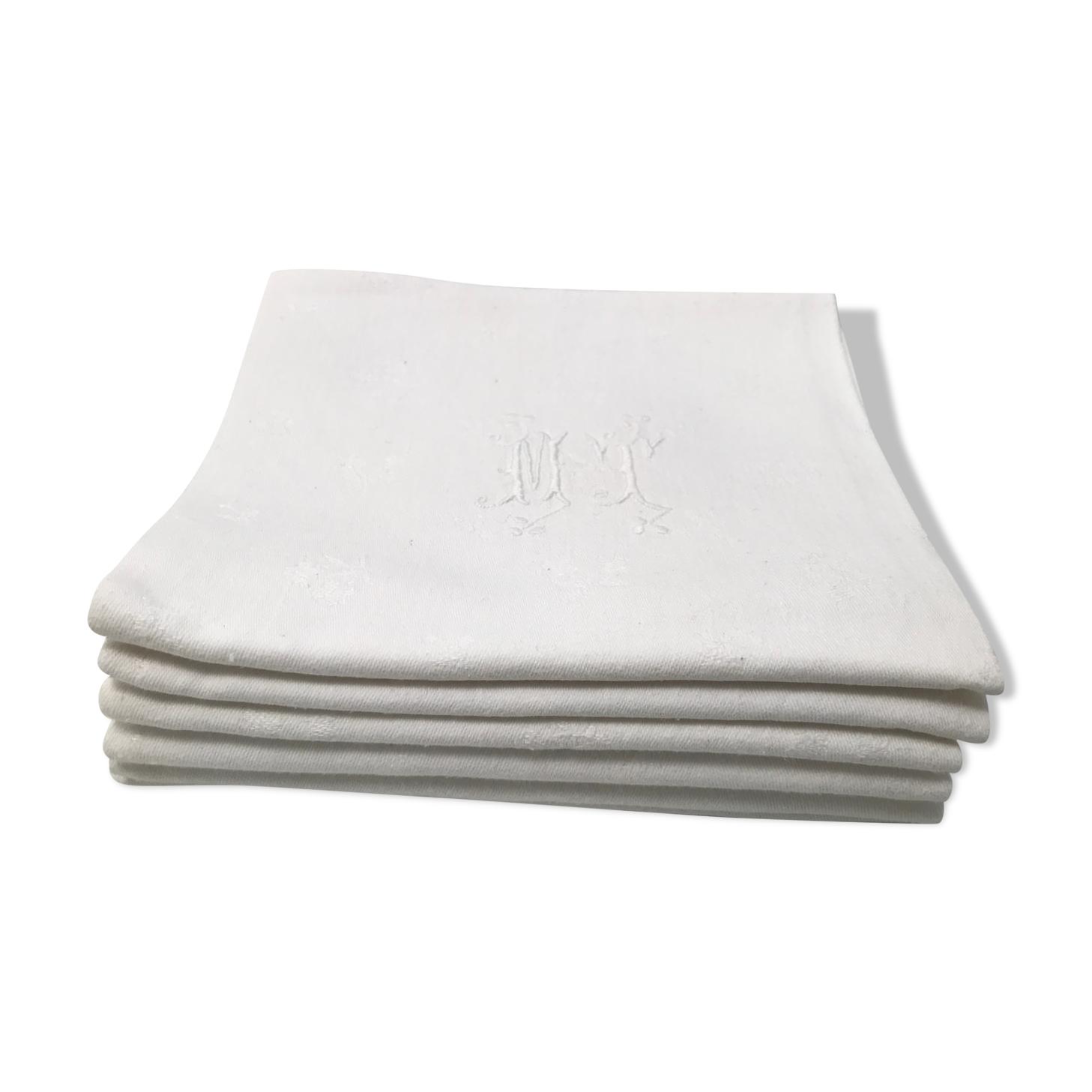 7 serviettes de table  blanches  bordé en coton