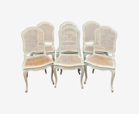 Suite de six chaises en bois laqué de style Louis XV