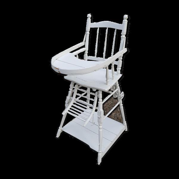 Ancienne chaise haute de bébé