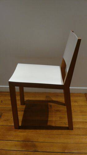 Chaise design bois massif acier blanc Persona Grata