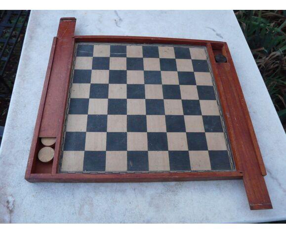 Jeu de dames et plateau d'échecs vintage