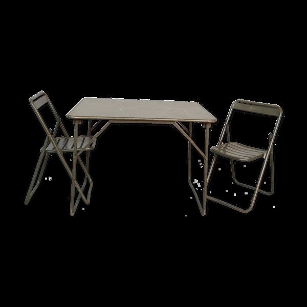 Table et 2 chaises pliantes kaki de l'armée robustes