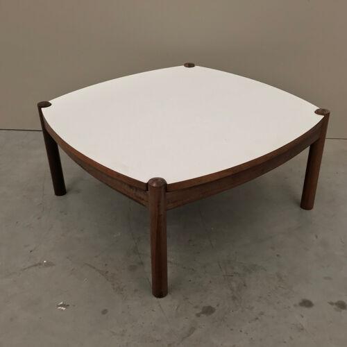 Table d'appoint G plan par Victor Wilkins