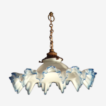 Old pleated opaline suspension