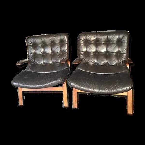 Paire de fauteuils du milieu du XXème siècle