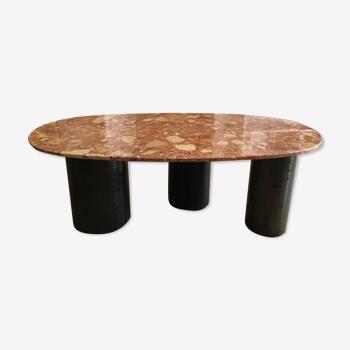 Table basse en marbre couleur terre