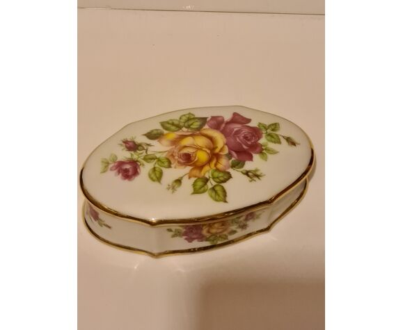Boîte Porcelaine de Limoges H.T. décor floral