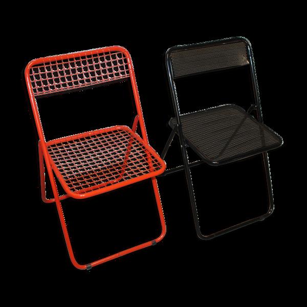 Lot de deux chaises pliantes métal rouge et noir
