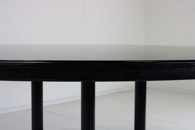Table ronde segemented de Charles & Ray Eames