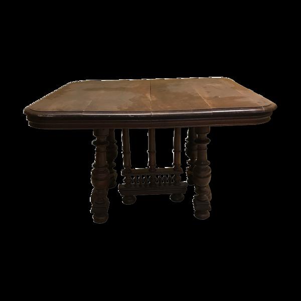 Table avec pied sculpté en bois
