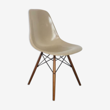 Chaise Eames DSW pour Herman Miller