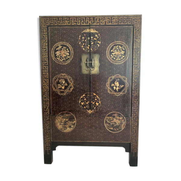 Armoire laquée chinoise