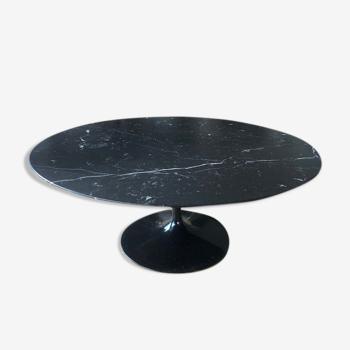 Table basse ronde en marbre noir par Eero Saarinen édition Knoll
