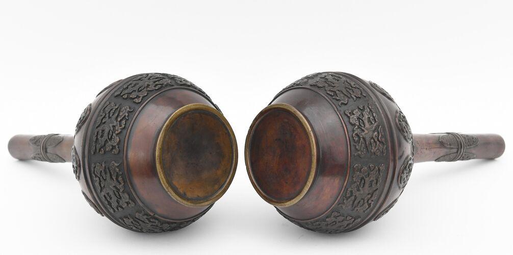 Paire de vases en bronze Chine