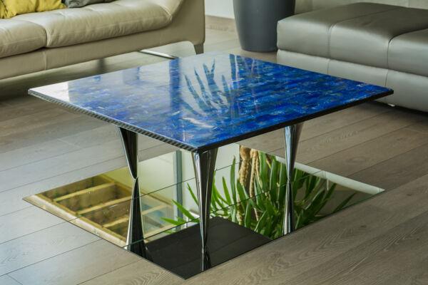 Table basse en pierre semi précieuse et carbone